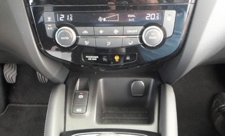 NISSAN QASHQAI BDCi 115 2WD BVM NCONNECTA TOIT PANORAMIQUE complet